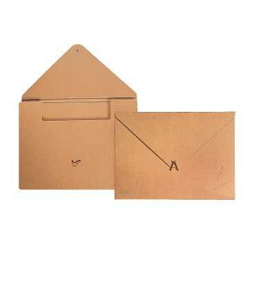 Carpeta amb goma, 1 cm. Schwartz-Lievore Altherr Molina CB. Mida: DIN A3. Color kraft