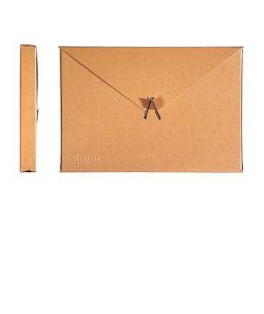 Carpeta de projectes, foli. Llom 10 cm. Schwartz-Lievore Altherr Molina CB. Mida: 38x26x10 cm. Color kraft.