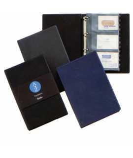 Tarjetero de plástico, con anillas. Tamaño: 15,2x22,8 cm. Color negro. Capacidad: 120 tarjetas