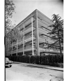 F. Català-Roca. Edifici d'habitatges Ceisa, Barcelona (1952-1954)
