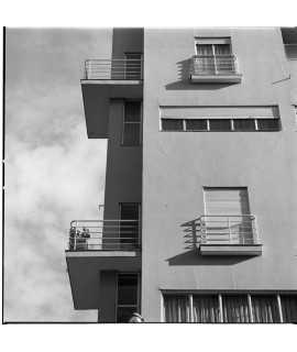 F. Català-Roca. Edifici d'habitatges, Barcelona (1930-1931)